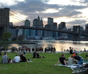 Photo credit: Travel & Leisure, Best Picnic spots (Brooklyn overlooking Manhattan)